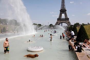 В Испании и Франции объявлен наивысший уровень метеоопасности