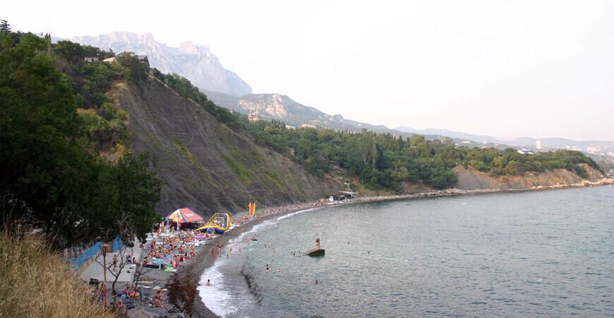 Пляж «Зеленый мыс» в Алупке