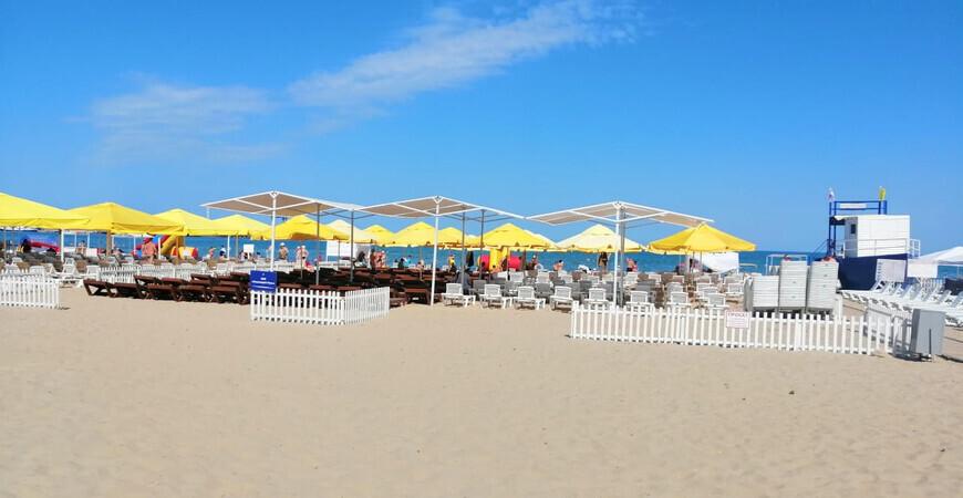 Пляж санатория «Русь» в Анапе
