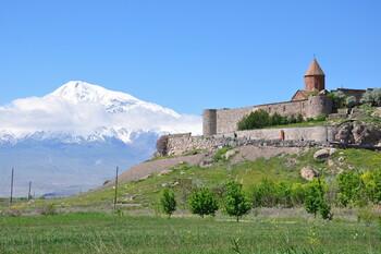 Спрос на туры в Армению после закрытия Грузии вырос до 45%