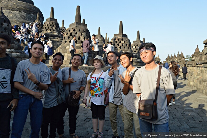Боробудур является одним из основных мест массового паломничества и туризма в Индонезии. Прибывающие сюда паломники-буддисты, по мере совершения ритуального прохождения каждого яруса сооружения, знакомятся с жизнью Будды и элементами его учения. Они проходят семь раз по часовой стрелке на каждом уровне.