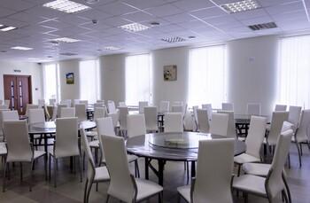 Группа китайских туристов отравилась в ресторане Петербурга