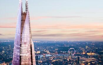 Мужчина без страховки забрался на самое высокое здание Лондона