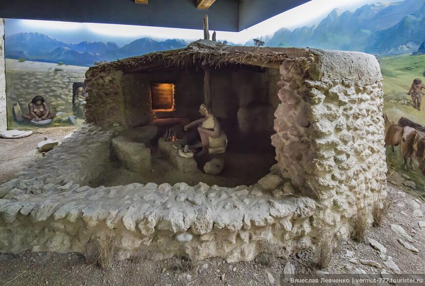 На фото: Энергосберегающее жилище эпохи неолита.