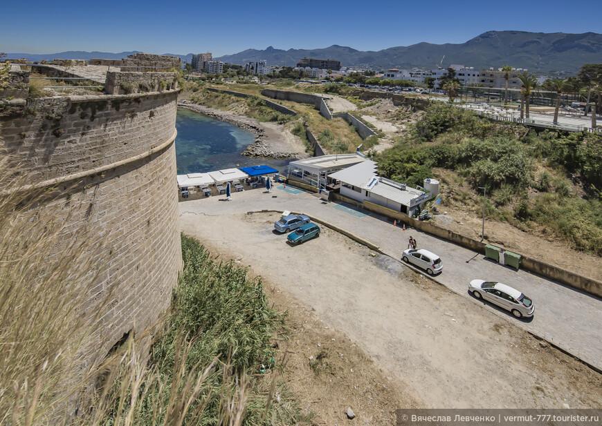 На фото: Вид со стен крепости рядом с Северо-Восточной башней.