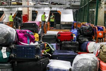 Шереметьево нуждается в сотнях  грузчиков для стабилизации ситуации с багажом
