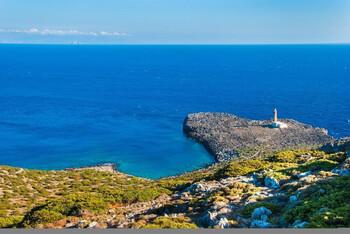 Власти греческого острова будут платить пособие переселившимся к ним семьям