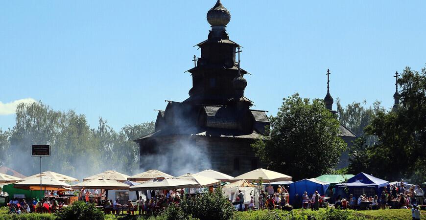 Фестиваль «День огурца» в Суздале