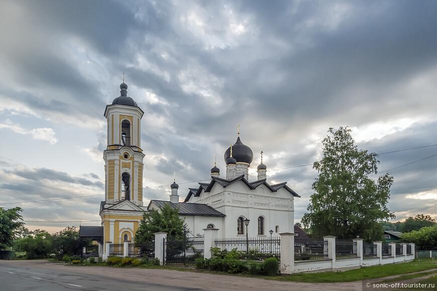 В конце 18 века церковь Николая Чудотворца была восстановлена по образцу и точному подобию старого храма. Архитектор смог полностью воссоздать все церковные постройки, но при этом сделал их более прочными и красивыми. В те же годы, прежде одноглавый храм, стал пятиглавым.  В 1750 году возле церкви была построена высокая колокольня.