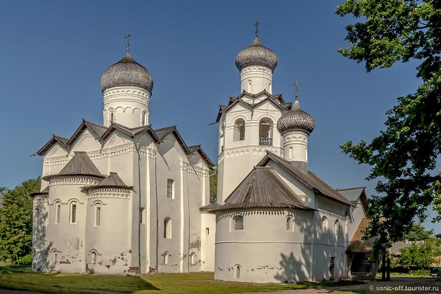 Сегодня архитектура Спасо-Преображенского собора имеет вид, близкий к тому, какой он имел на протяжении XVII века.