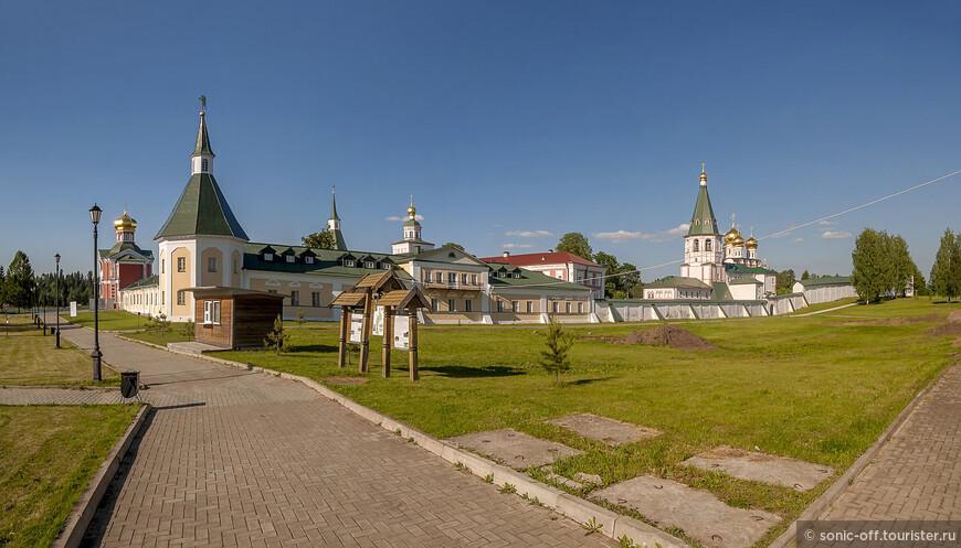 Панорама монастыря с юго-запада