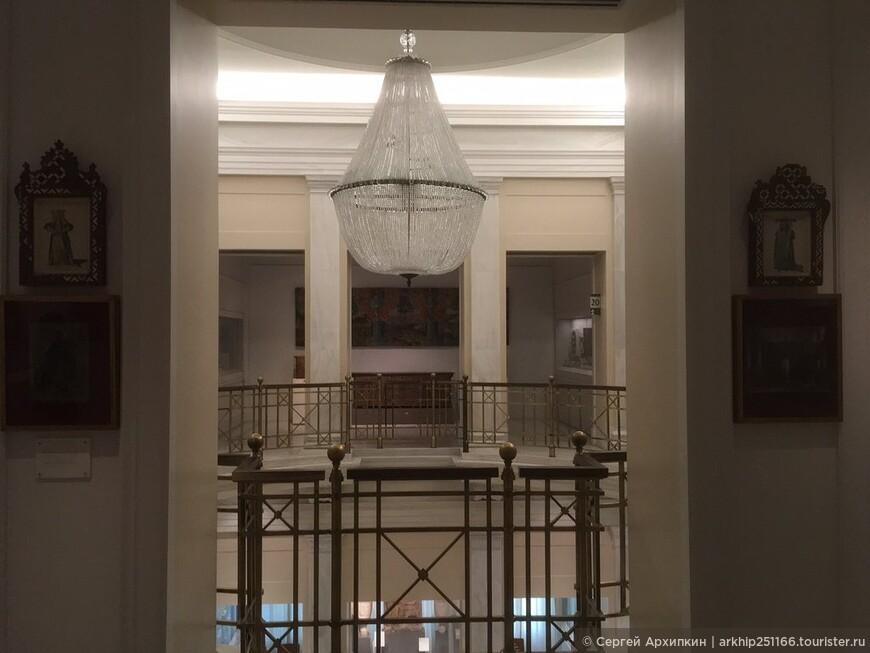 Музей Бенаки - один из первых частных музеев в стране. Назван в честь Бенаки - коллекционера и мецената