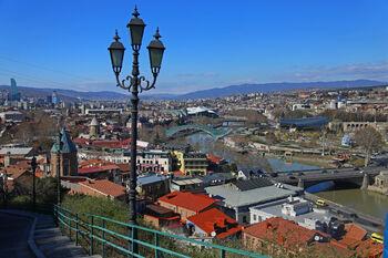 Панорама Тбилиси - спуск от крепости Нарикала