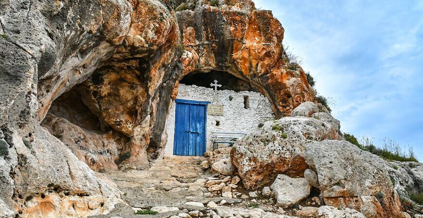 Пещерная часовня Сорока святых (Agioi Saranta)