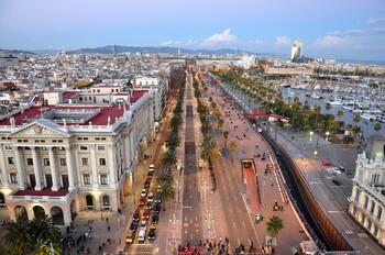 Население Барселоны сократилось на 11% из-за массового туризма