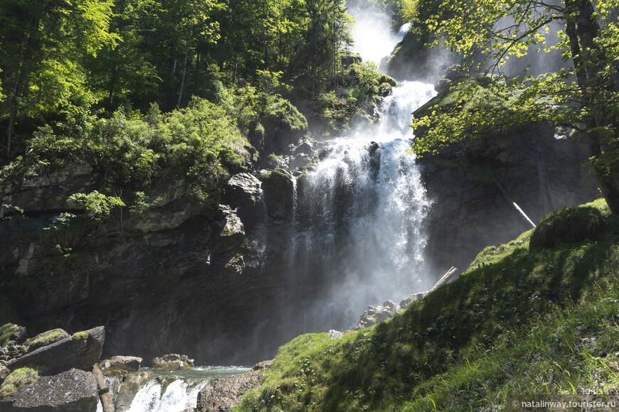Водопад Гиссбах (Giessbach Falls).