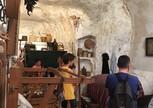 А так жили в пещерных домах Матеры