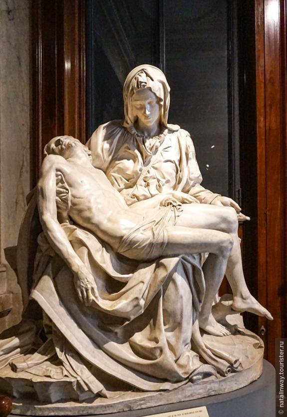 «Оплакивание Христа» — пьета, созданная Микеланджело Буонарроти.