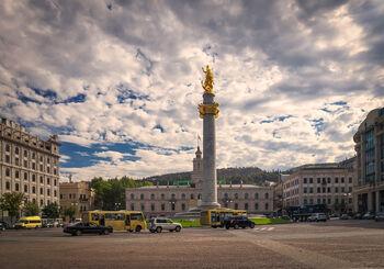 Маршрутки и автобусы на площади Свободы