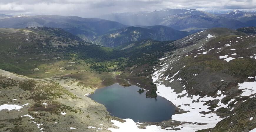 Озеро Манас в Горном Алтае