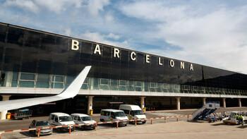 Туристов предупреждают об отменах рейсов в аэропорту Барселоны