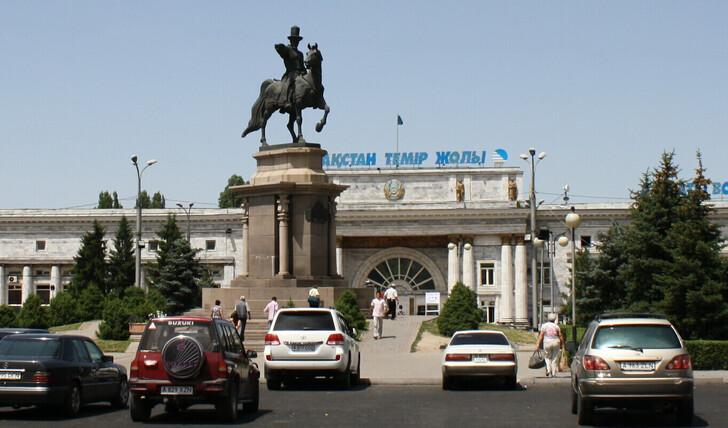 Железнодорожный вокзал Алматы