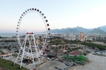 В Анталии открылось самое высокое колесо обозрения в стране