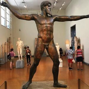 Археологический музей в Афинах — самый большой в Греции