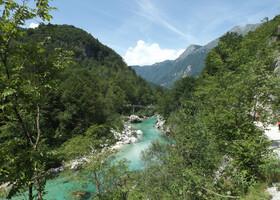 Альпы и долина реки Соча