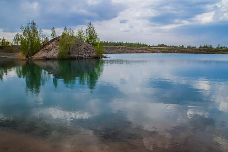 Полагают, что уровень кислотности воды в озерах очень высок