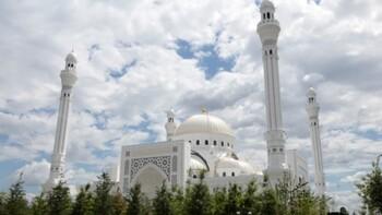 В Чечне открылась самая большая мечеть в Европе