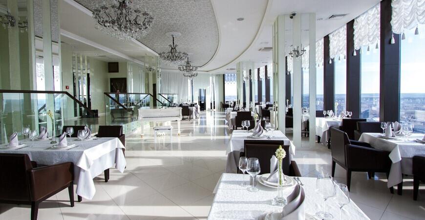 Ресторан «Вертикаль» в Екатеринбурге (ресторан в «Высоцком»)