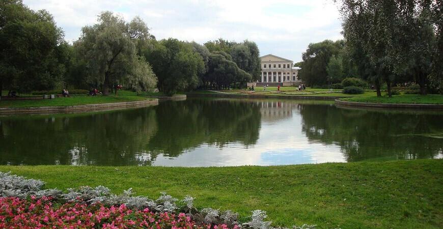 Юсуповский сад в Санкт-Петербурге