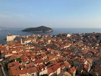 Прогулка по средневековым стенам и башням  Дубровника