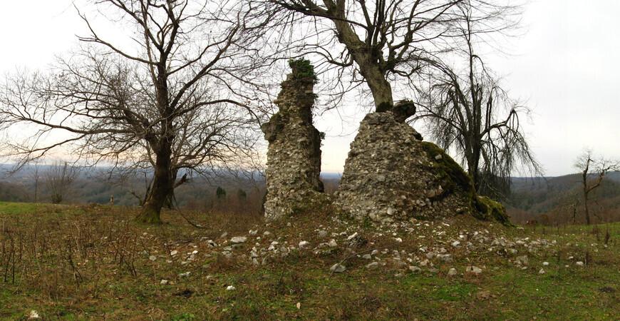 Келасурская стена (Великая Абхазская стена)