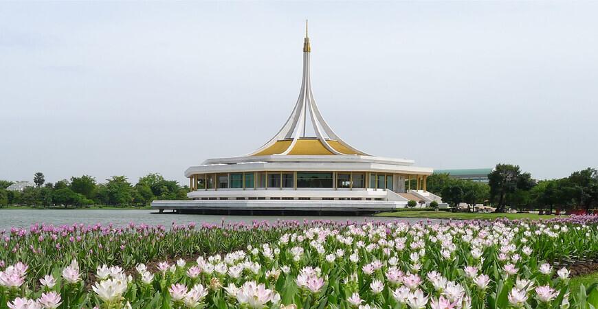 Парк Рамы IX в Бангкоке