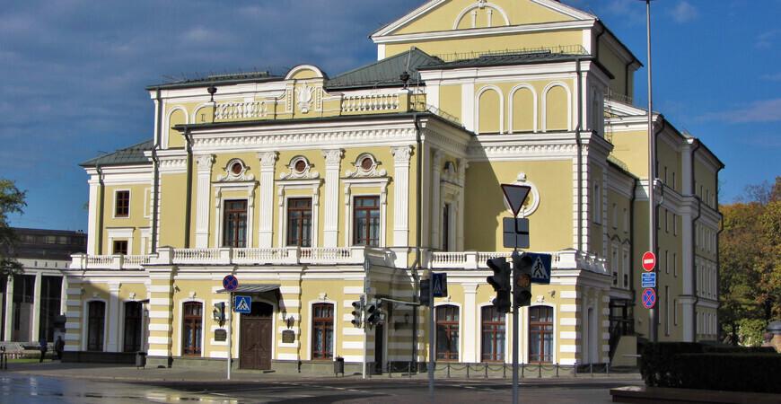 Национальный академический театр им. Янки Купалы в Минске