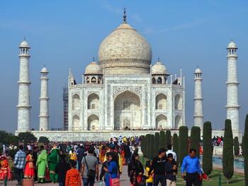 В Индии хотят открыть Тадж-Махал для ночного посещения