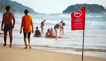 Туристов предупреждают об опасном течении на острове Пхукет