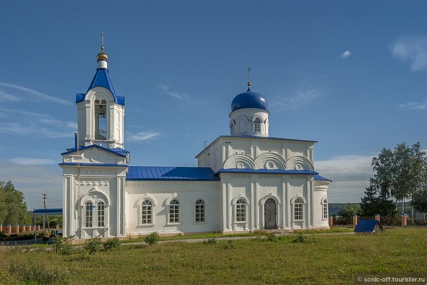 Церковь Казанской иконы Божией Матери в селе Нижнем Казачьем была построена в 1771 году.