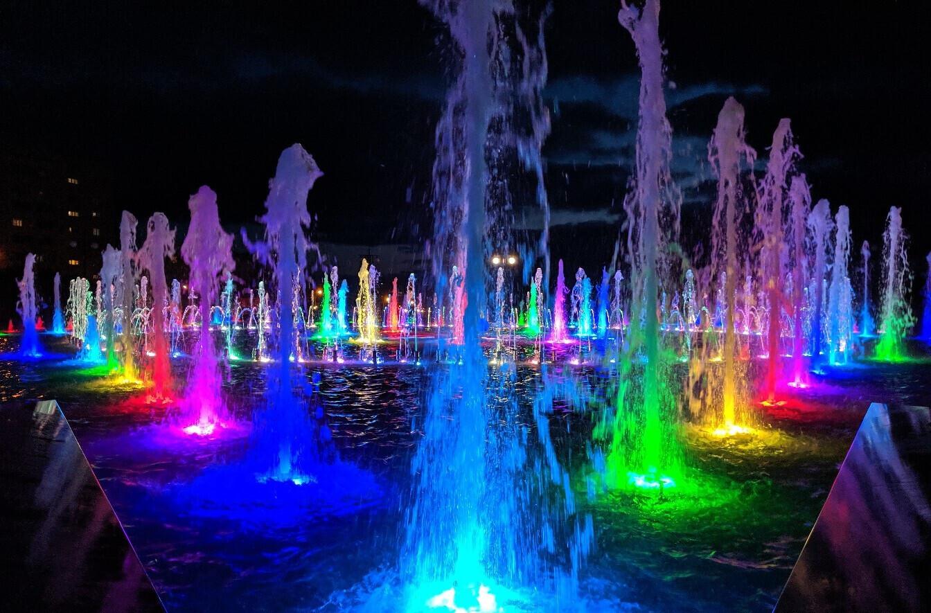 Цветные фонтаны крыма картинки