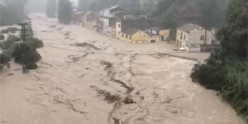 В Испании ликвидируют последствия сильнейшего циклона
