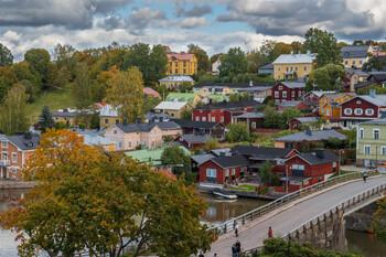 Спрос на финские визы в Петербурге упал вдвое
