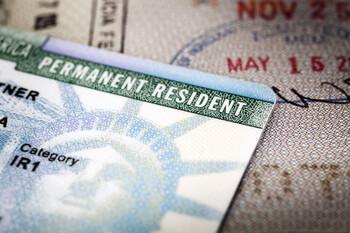 В Госдуме допустили отмену в РФ лотереи на получение грин-карт США