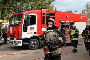 Девять человек пострадали при пожаре в хостеле в Москве