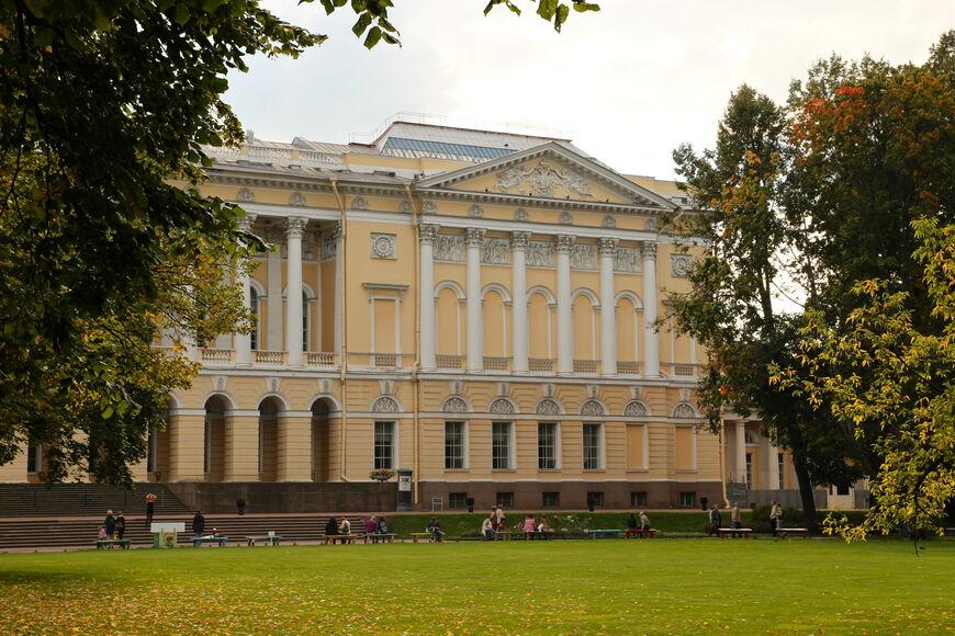 Михайловский замок: экскурсии, экспозиции, точный адрес, телефон