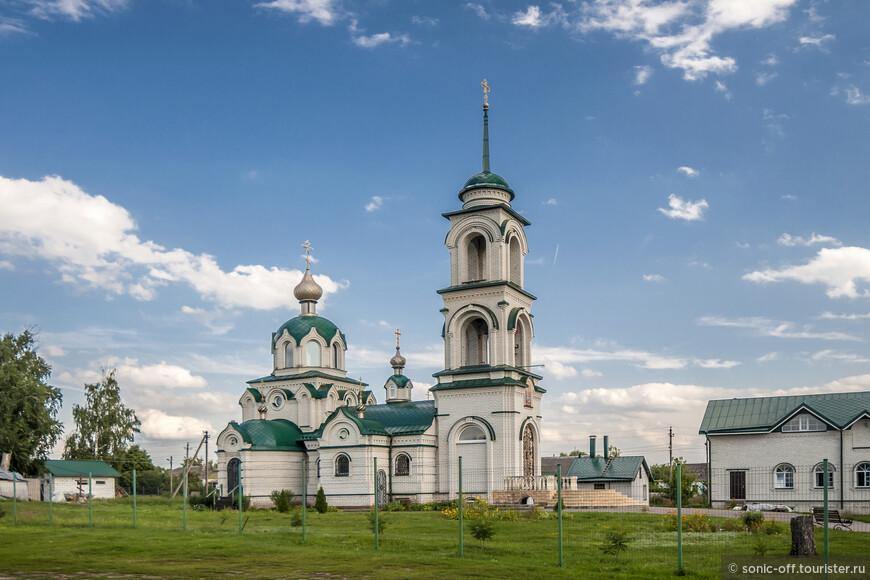 Новая Церковь Михаила Архангела в  Новоживотинном построена с 2006 по 2012 годы.