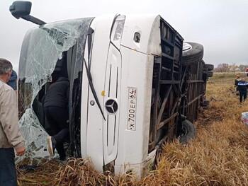 В ДТП с туристическим автобусом в Нижегородской области пострадали 20 человек