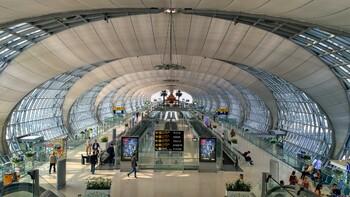 В аэропорту Бангкока турист из Финляндии спрыгнул с шестого этажа