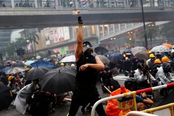 За шесть дней протестов экономика Гонконга потеряла 357 млн долларов